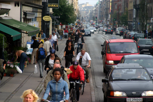 Copenhage_Bicycle_lane_ek_Sep06.jpg