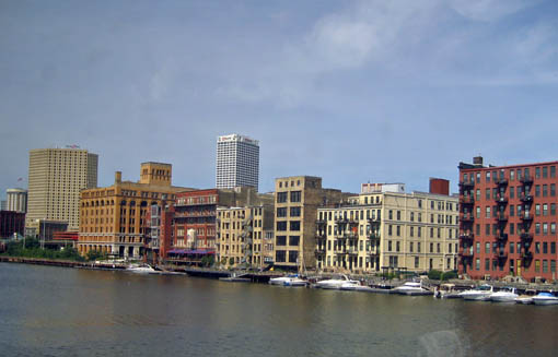Empire_Builder_Milwaukee.jpg