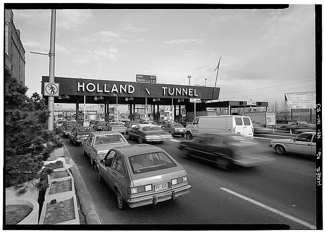 Holland_Tunnel_tolls.jpg