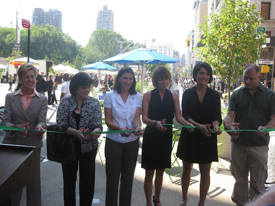 Officials from NYU, Community Board 5, the Union Square Partnership and the Flatiron __ Join DOT Commissioner Janette Sadik-Khan to cut the ribbon on Union Square improvements.