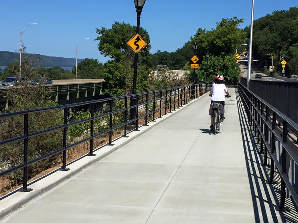 The new ramp connecting the northern terminus of the Hudson River Greenway to Dyckman Street. Photos: Five Borough Bike Club/Facebook