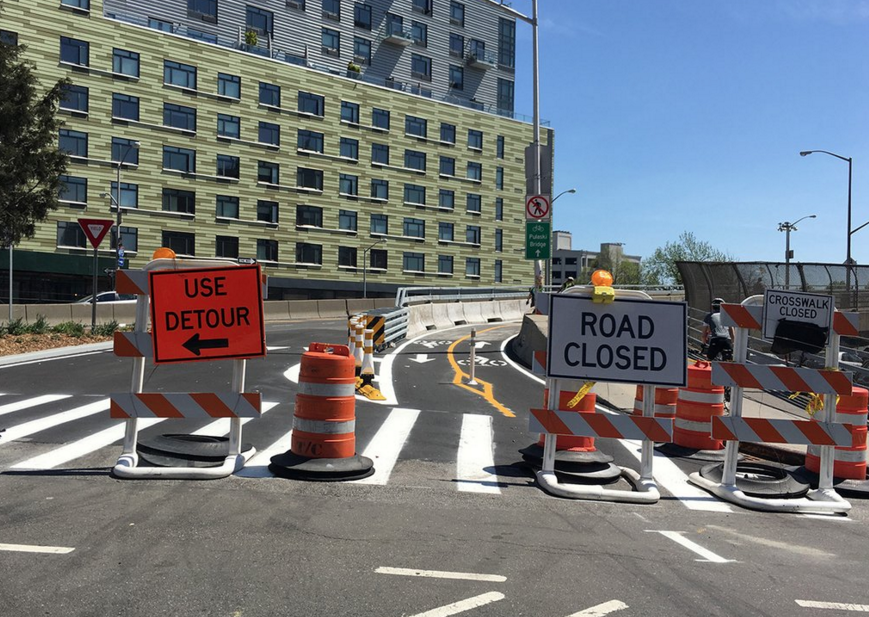 Access to the new bike path is (technically) still prohibited. Image: @DataVizier