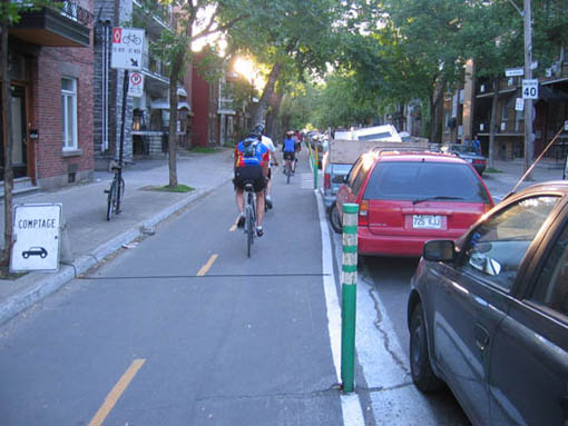 Montreal buffered bike lane